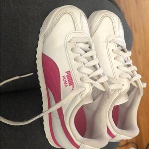 Girls Puma Sneakers